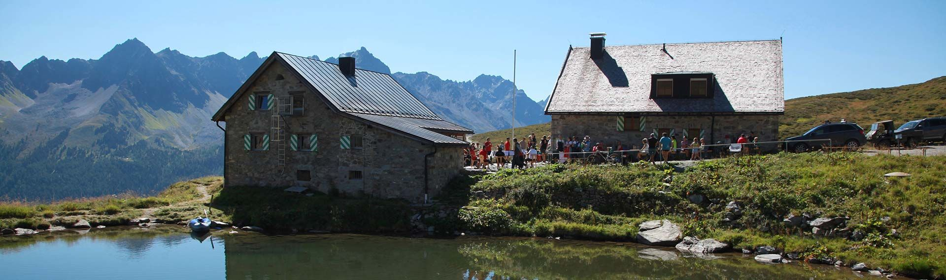 Through green alpine meadows to the most beautiful alpine huts in the Paznaun Valley